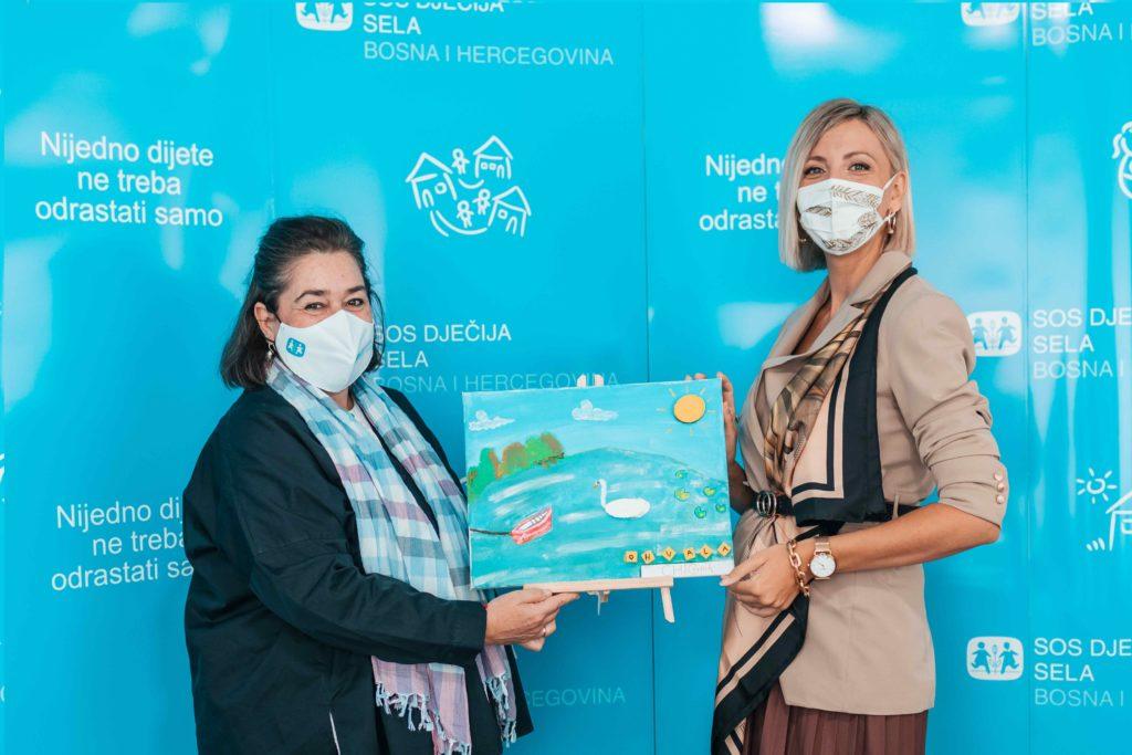 (FOTO) CHICovnik i Bingo donirali 4.000 KM za ljetovanje djece iz SOS porodica na Boračkom jezeru