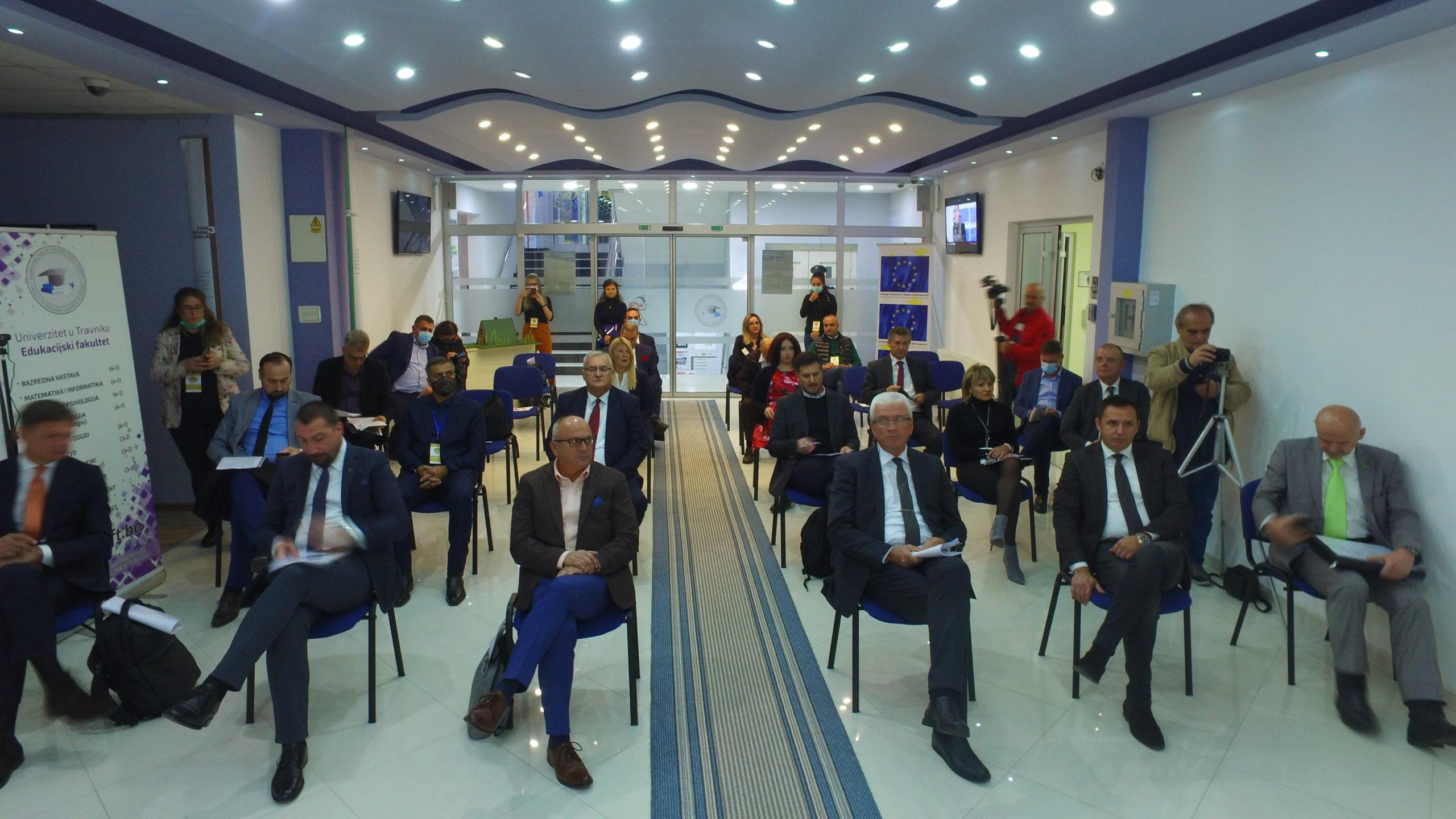 (VIDEO) U Travniku održan 5. Poslovni forum Evropskog pokreta