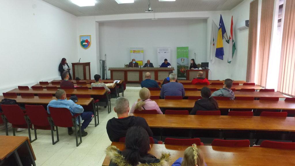 (foto/video) travnik / potpisani ugovori za dodjelu plastenika